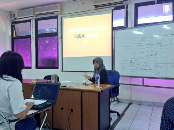 Pelatihan penulisan internal oleh Mbak Gusva